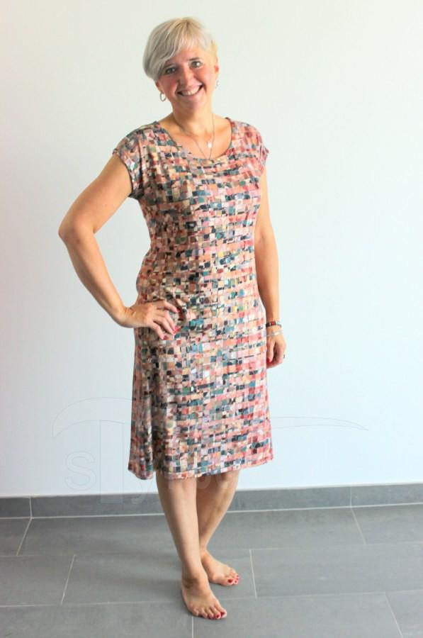 Úpletové šaty Hnědošedé obdelníčky - Úpletové šaty