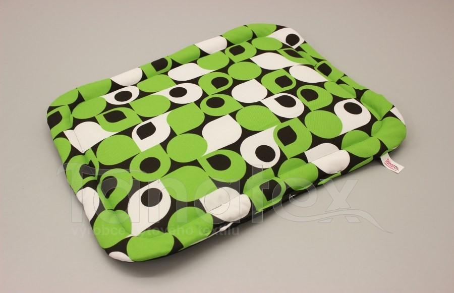 Podložka klasik - cca 51x40 - zelené tvary