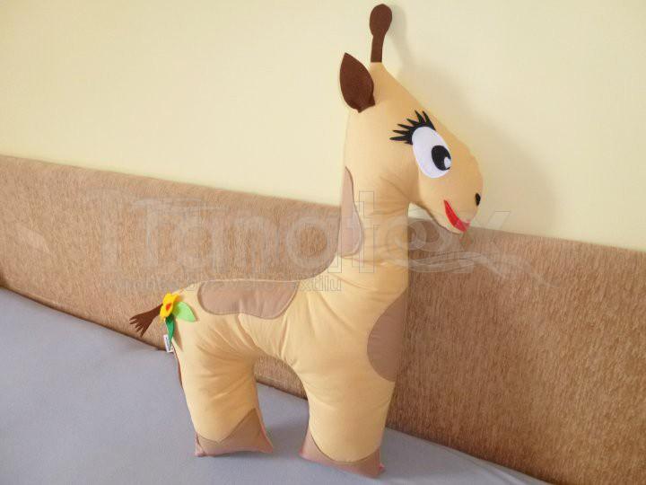 Polštářek bavlněný žirafka béžová - Zvířátka