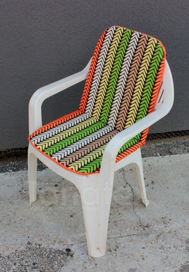 Sedák na zahradní židli s opěrkou na záda - Stopa oranžovozelená - sedák na zahradní nábytek