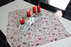 Ubrus Vánoční sobíci s nápisy metráž - Vánoční ubrusy a šály