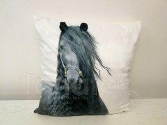 Fotopolštář černý kůň s hřívou