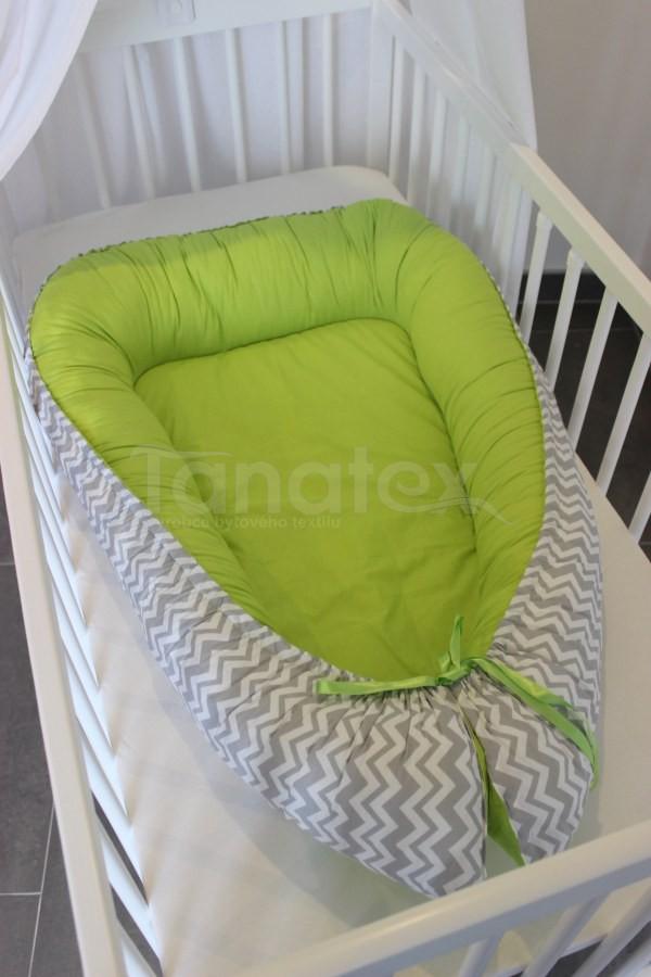 Hnízdečko Šedý cik cak s kiwi zelenou - Hnízdečka do postýlky z bavlny