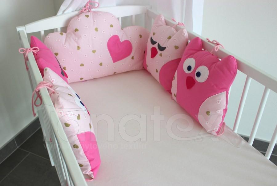 5dílný mantinel z polštářků - Sovy uni růžové - srdíčka bílá a béžová na růžové - Polštářkový mantinel exclusive
