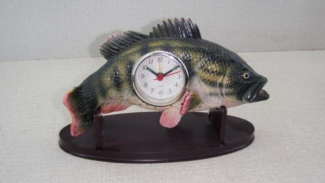 Ryba polyston s hodinami